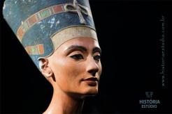 Arqueólogo diz ter encontrao tumba da Rainha Nefertiti